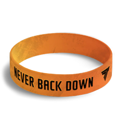 NEVER BACK DOWN - opaska sportowa 045
